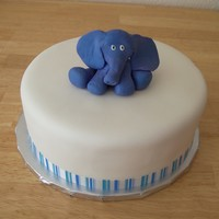 Baby Elephant Satin Ice fondant, 50/50 fondant and gum paste elephant
