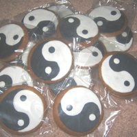 Chinese Taichi Logo Biscuit Gingerbead biscuit with foundant for decoration