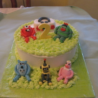 Yo Gabba Gabba Cake This is a Dominican cake with vanilla filling with fresh strawberries and buttercream icing. The Yo Gabba Gabba characters are made with...