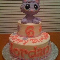 Littlest Pet Shop Character is RKT covered in fondant