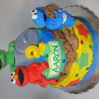 Sesame Street Characters are made with rice krispies treats and fondant