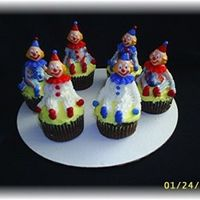 Wilton Course I - Clowns These are the cupcakes that I made for class. We learned bag striping today, so some of them are red, white and blue. These were fun to...
