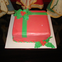 Mistletoe Gift Box My first gift box cake...=)