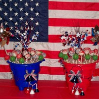 Forth Of July Cake Pops  Forth of July Cake Pops.....4 kinds: Heath Bar, Berry Burst Oreo, Red Velvet & what 4th of July celebration would go on without...