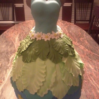 Dress Cake 3D based on inspiration from The Pink Cake BoxMy best friend's birthday cake - she loves gardening, blue & green are her favorite...