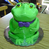 Sapito I made this pretty frog for muy husband´s boss. He´s a very good friend too and the cake has a special meaning for us...