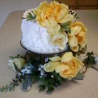 Pastatio Cardamon Cake Pastatio Cardamon Cake with Caramel flavored Buttercream, for a small wedding.