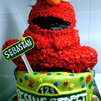 Elmo Birthday Cake Elmo & Sesame Street helps a little 2 year old celebrate his birthday: http://pamcakedesigns.blogspot.com/