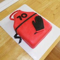 Grilling Apron Client was giving her father a new grill for his birthday. So they opted for an Apron cake.