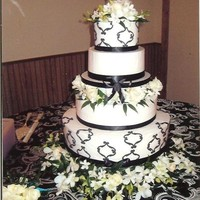 Damask Buttercream icing with a black damask design.