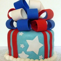 4Th Of July Marshmallow fondant. Fondant bow, stripes, and stars. http://gabbyrm.blogspot.com/