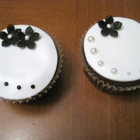 Wedding Style Cupcakes Matching set with my other wedding style cuppies