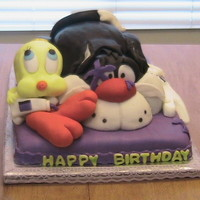 Tweety And Sylvester Cake