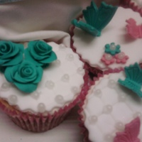 Vintage Cupcakes Gaint and small cupcakes for a girls 5th birthday. vintage style. turquoise and pink with roses, daisys, butterflies and pearls. all...