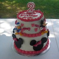Minnie Mouse Cake   white cake vanilla filling all fondant