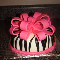 Zebra Cake I made a 6 inch single layer cake for my niece. My sister already had her main cake but I wanted to give her something special from her...