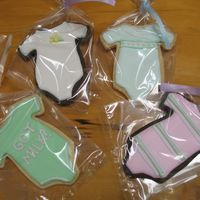 Onesie Cookies   Baby shower favors with my new onesie cutter. So much fun to make!