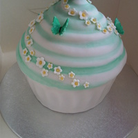 Butterfly Giant Cup Cake Giant vanilla cup cake with blossoms and butterflies!