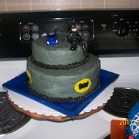 Batman 5Th Bday got this idea from several ppl on cc thanks to you all for the ideas my son loved it also just starting to do fondant figures any advice...