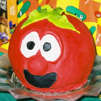 Bob The Tomato use of fondant long before I ever took classes to learn how to use it properly