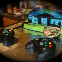 Xbox Cake   Xbox cake everything you see is edible even the Halo game!