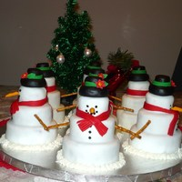 Red Velvet Snowman Circle Of Friends  I made these cakes for Christmas day. It's a circle of snowman friends-they're small red velvet cakes with cream cheese icing and...