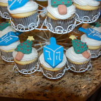 Hanukkah And Christmas Cupcakes