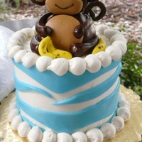 Smash Cake For Momma's Little Monkey! Fondant monkey and bananas, b/c and fondant stripes.