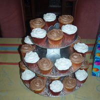 Birthday Cupcakes Red Velvet Cupcakes with Vanilla Icing and Vanilla Cupcakes with Chocolate Icing