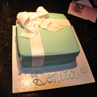 Tiffany Box White Wasc with Lemon Curd filling wht buttercream and buttercream fondant