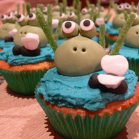 Frog Cakes Frog cakes with butter cream and fondant