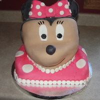 Minnie Mouse Cake minnie mouse cake covered in fondant