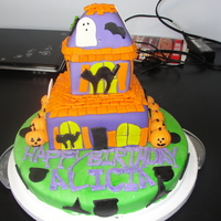 Haunted House Cake haunted house made of fondant