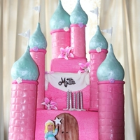 Castle Cake A very girly cake for a very girly-girl.