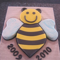Bee Creative Anniversary Cake My friend wanted me to replicate her logo for her after school care, to celebrate its 1 yr anniversay:)
