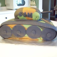 Army Tank My first attempt at a shaped cake.