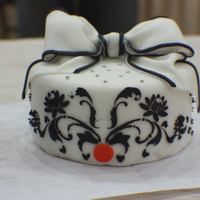 Stencil Work And Bow   Decorating Class, 1st time using stencils and making bows. Its a Dummy