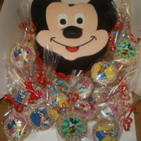 Mickey Mouse Mickey Mouse Clubhouse themed party so we made Mickey , cookies and cupcakes