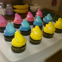 Peeps Cupcakes Saw this idea in the Womans World magazine and gave it a try for our family Easter celebration