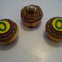 Oregon Ducks Cupcakes Made for someone who was celebrating their birthday at the Oregon Ducks football game.