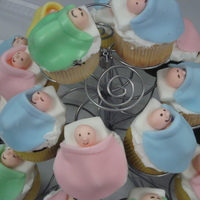 Cutest Baby Shower Cupcakes Ever~ found this idea through wilton... huge hit! everyone loved these!