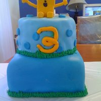 Wow Wow Wubbzy   MMF with butter cream and vanilla cake.