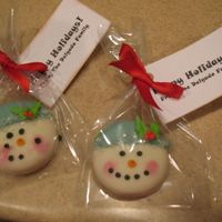Christmas Snowmen Cookies   Inspired by many cookies done here on CC and also from favorz.net. NFSC covered in chocolate and decorated in coarse sugar and RI