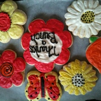 Flower Sugar Cookies   Sugar cookies with royal icing decorated for Mom and some as Thank You
