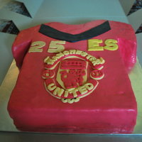 Man U it's my first time attempt to create a design cake