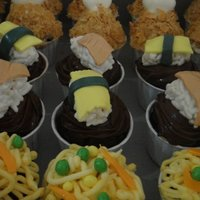 Food Cuppies   Fried Drumplets, sushi, noodlesThanks to the inspiration found at CC here