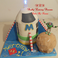 Buzz Light Year Spaceship Cake I made this spaceship for our little cousin Matthew's 2nd birthday! this was so fun and surprisingly soo easy to make! Thanks for...