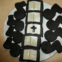 Hymnal And Musical Note Cookies created for a hymn recital given on 25 July 2010.