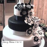 Black And White Flower Cake 2nd fondant cake. Made for family wedding
