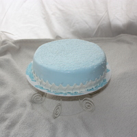 Winter Blue Cake   A simpe winter cake I made at the last minute. I love its simplicity and prettiness